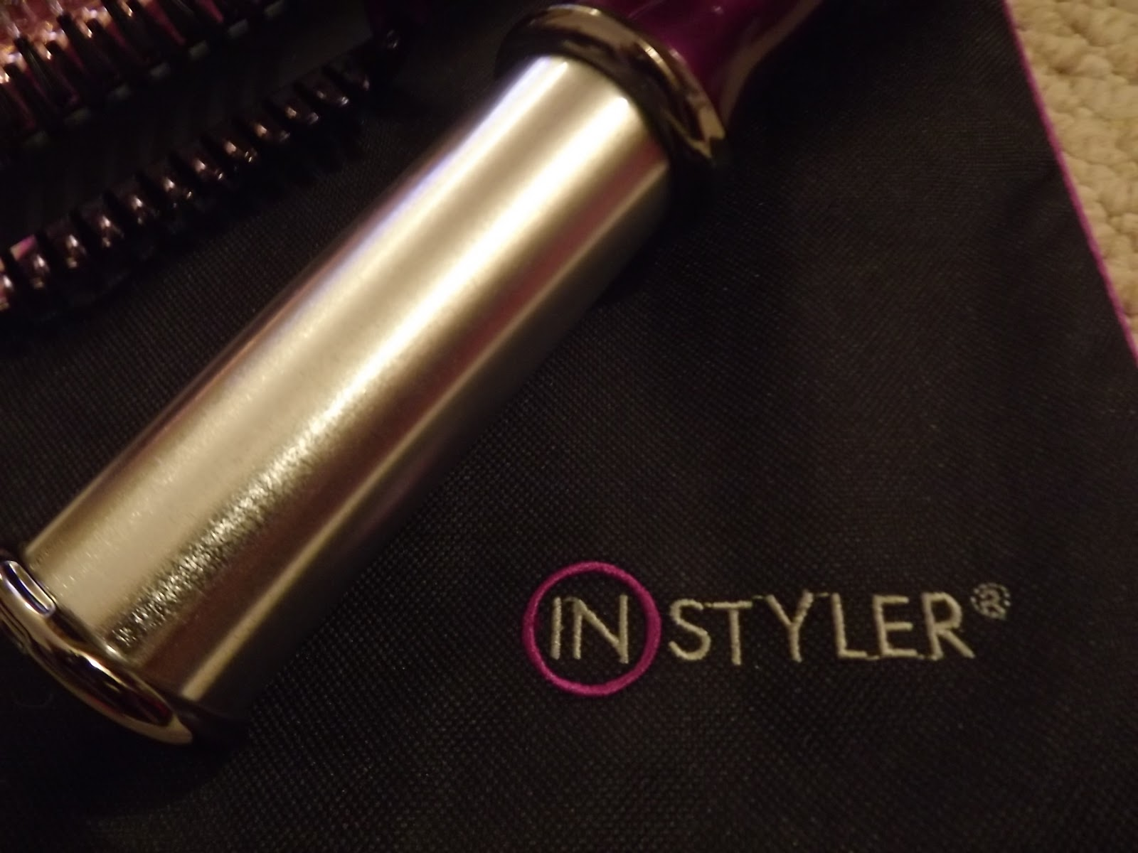 instyler reviews Source: instagram if you're anything like me then you'll be addicted to straightening your hair and i am that person blessed with super curly and usually frizzy locks it's my aim to have smooth and sleek hair with minimal damage i've spent years using hair straightening irons and i'm afraid i've really fried the ends of my hair.