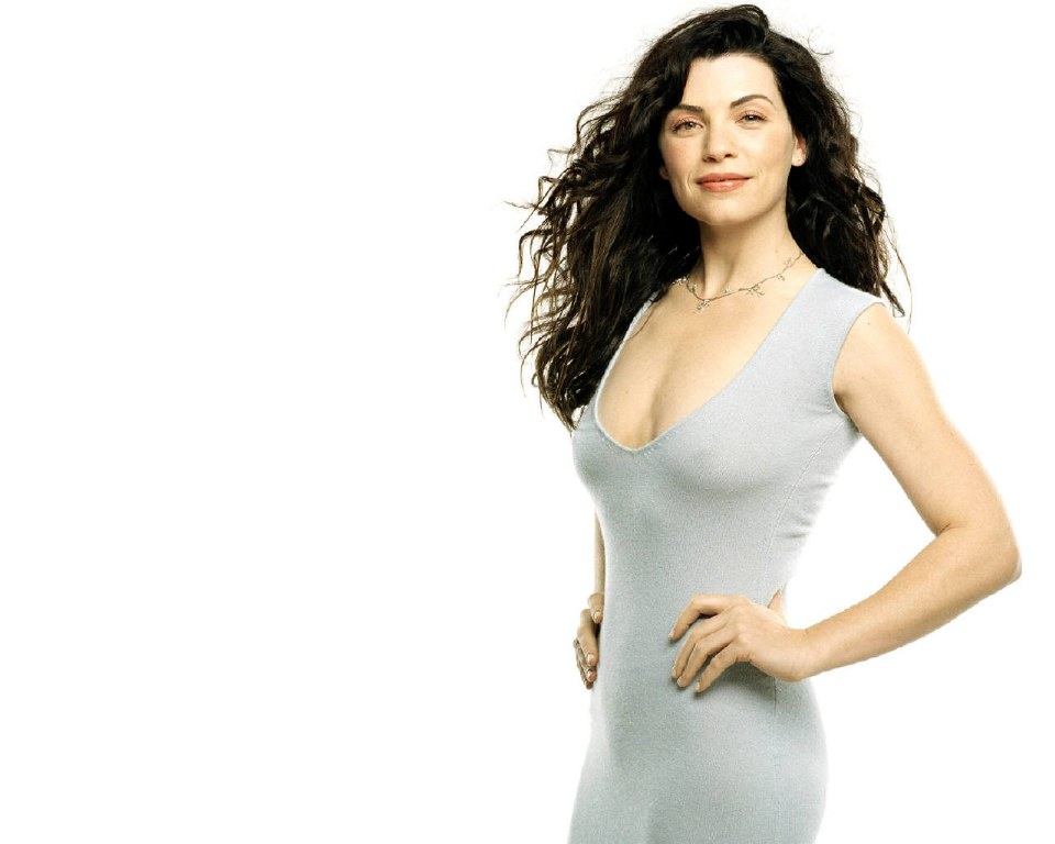 julianna margulies wallpaper   hollywood maza