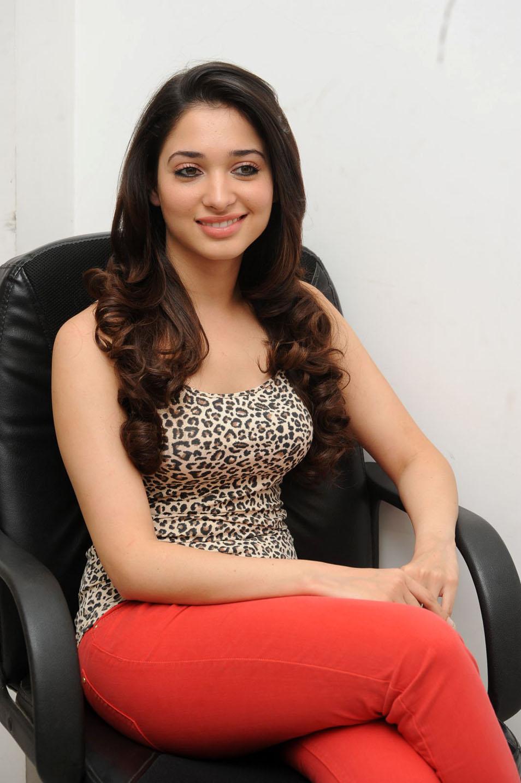 Tamanna Bhatia In 100 Love Movie Hot photos tamanna bhatia