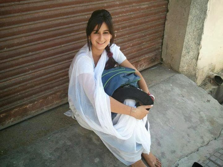 horny pakistani school girl