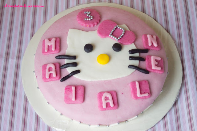 Tarta hello kitty de Maialen
