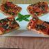 coca de tomate, mostaza y queso