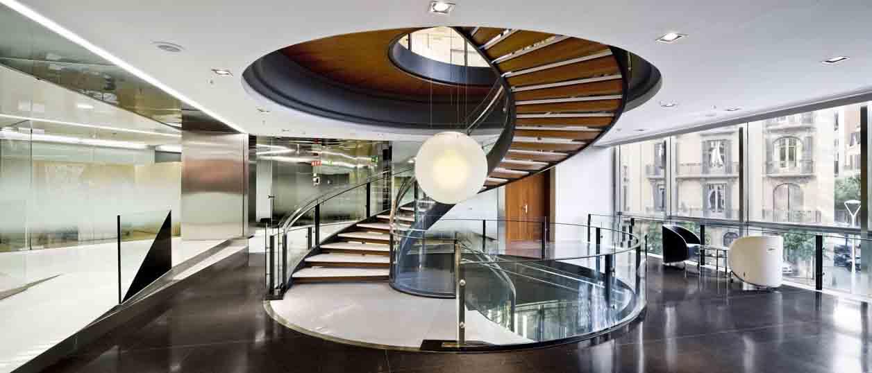 Bak escalera del banco sabadell atl ntico francesc mitjans - Arquitectos sabadell ...