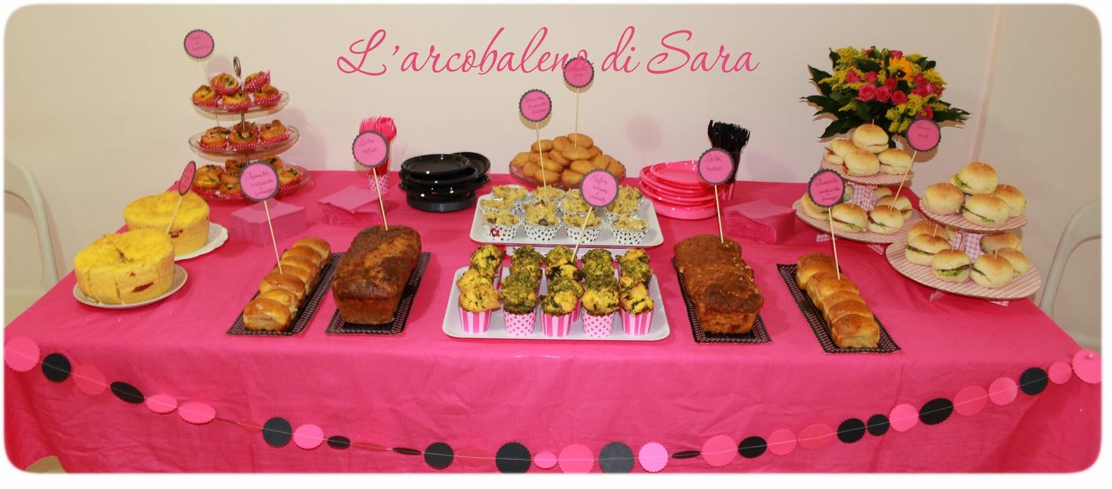 Buffet salato rosa e nero