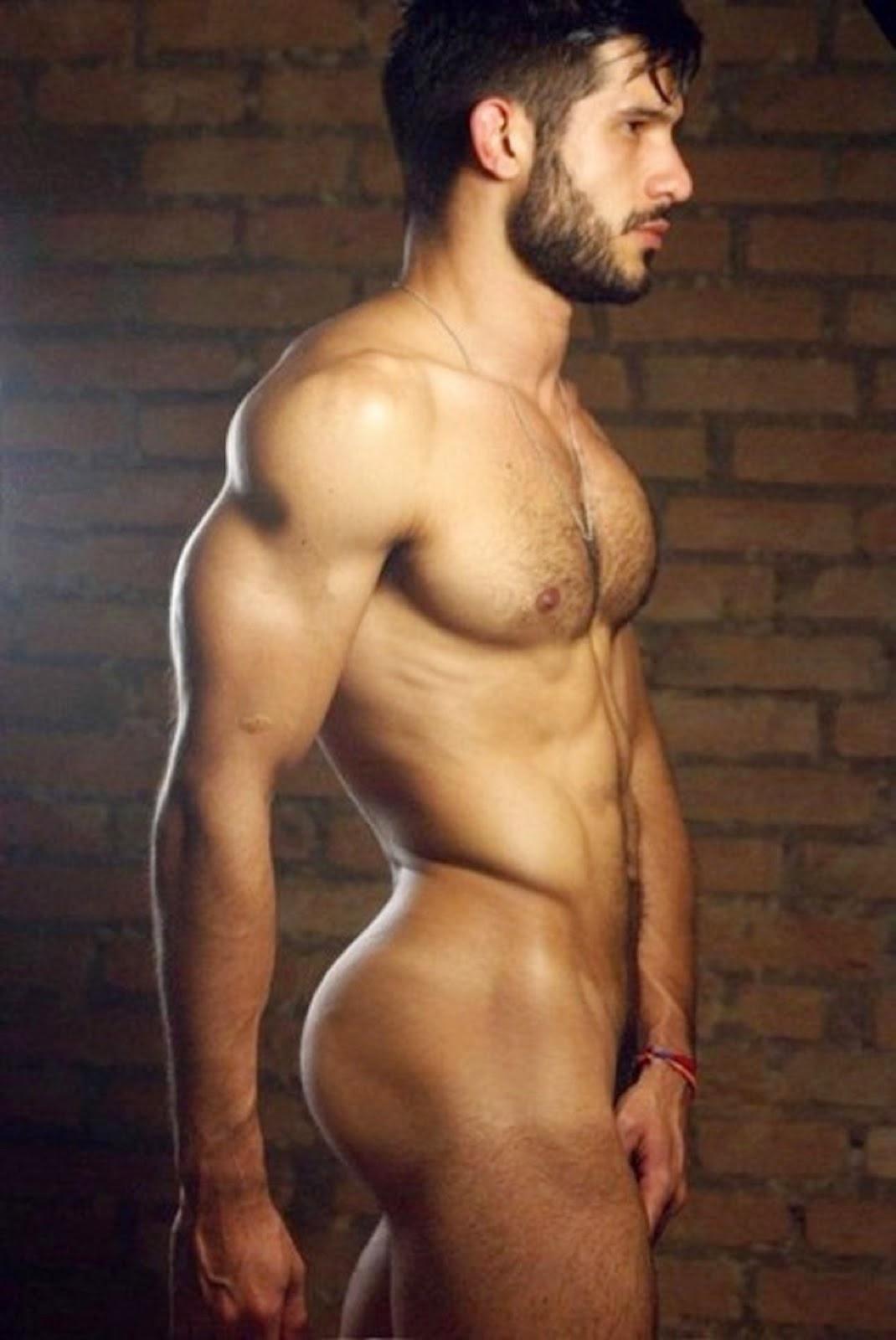 Фильм голые накаченные мужчины с огромными членами