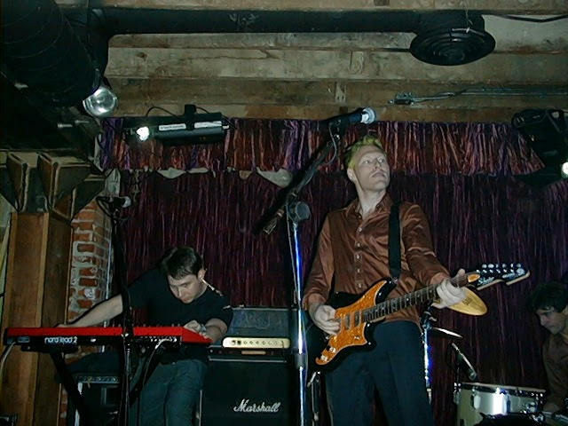The author (L) and Tyler Bates (R). Widget at The Opium Den, 1999