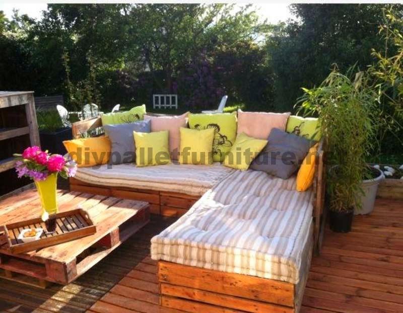 Lounge para el jard n hecho con palets for Muebles jardin madera palet