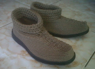 Sepatu Rajutan