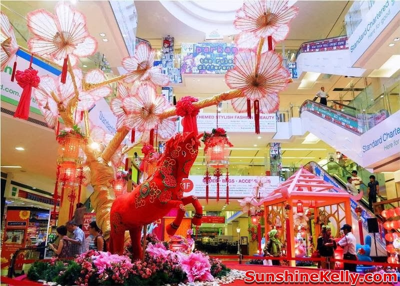 CNY 2014, Blossoms of Happiness @ fahrenheit88, fahrenheit88, chinese new year mall decoration, mall festive decoration, shopping mall, prosperity horse, fortune horse