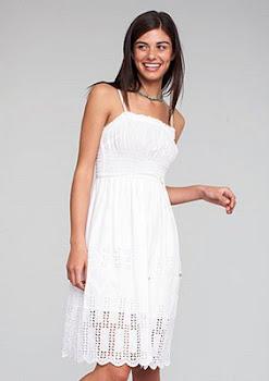 En todo tiempo sean blancos tus vestidos, y nunca falte unguento sobre tu cabeza.