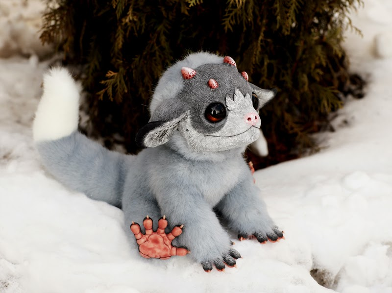 08-My-Little Dragon-Silver-Tiny-Griffins-Santani-www-designstack-co
