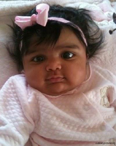 Bébé africain fille mignon