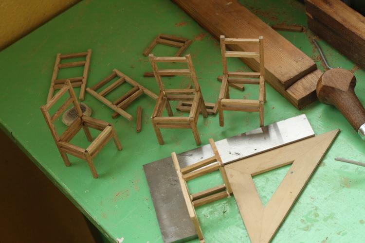 Как сделать лестницу для кукольного домика фото 530