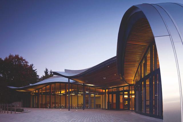 05-VanDusen-Botanical-Garden-visitantes-Centre-por-Perkins-Will