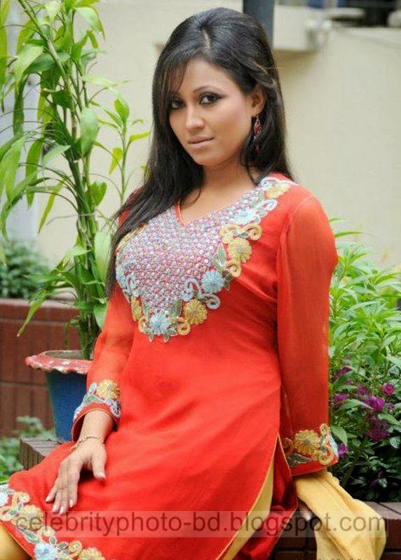 Hot%2BBangladeshi%2Bmodel%2BNafisa%2BJahan's%2BLatest%2BPhotos%2BCollection%2B2014 2015001