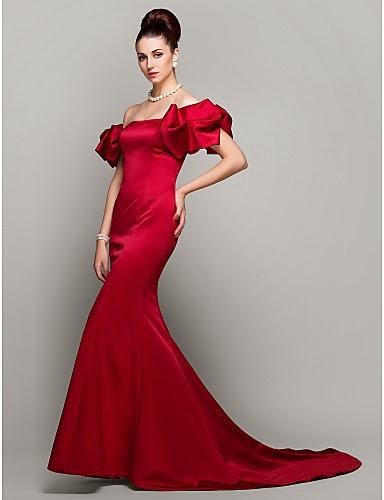Vestido rojo con hombros