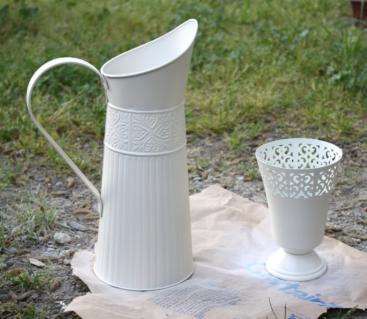 painting a thrift store vase and pitcher