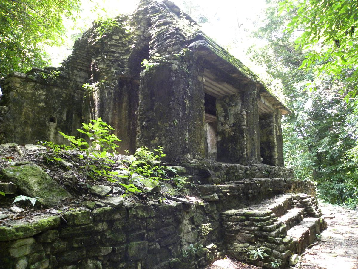 http://3.bp.blogspot.com/-RRjzoPPeWPY/Tl1tvj3tDKI/AAAAAAAABD8/riBY98kk13k/s1600/palenque_templo_olvidado01.JPG