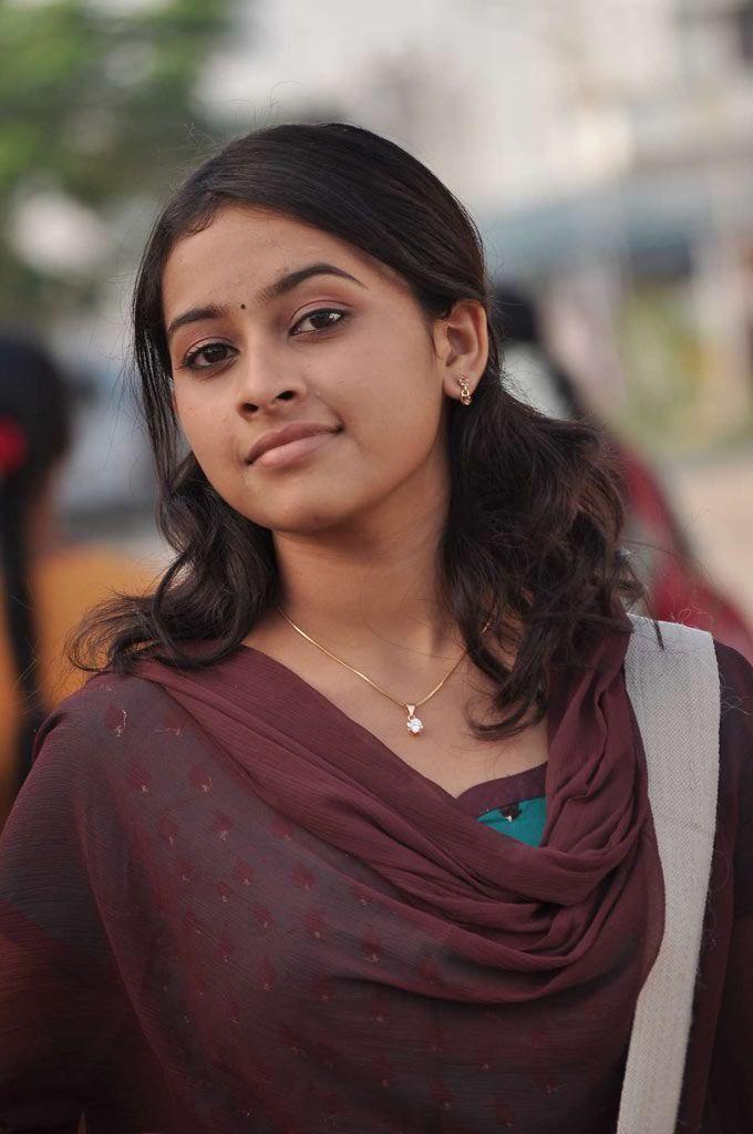 SAB HOT ACTRESS: Sri Divya Cute and spicy Photo Gallery Stills Images