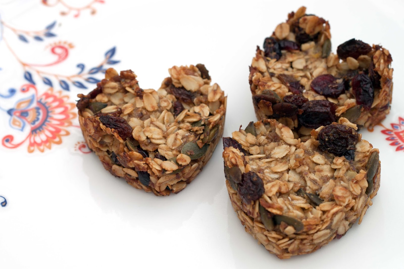 FOOD : HEALTHY GRANOLA HEART BARS