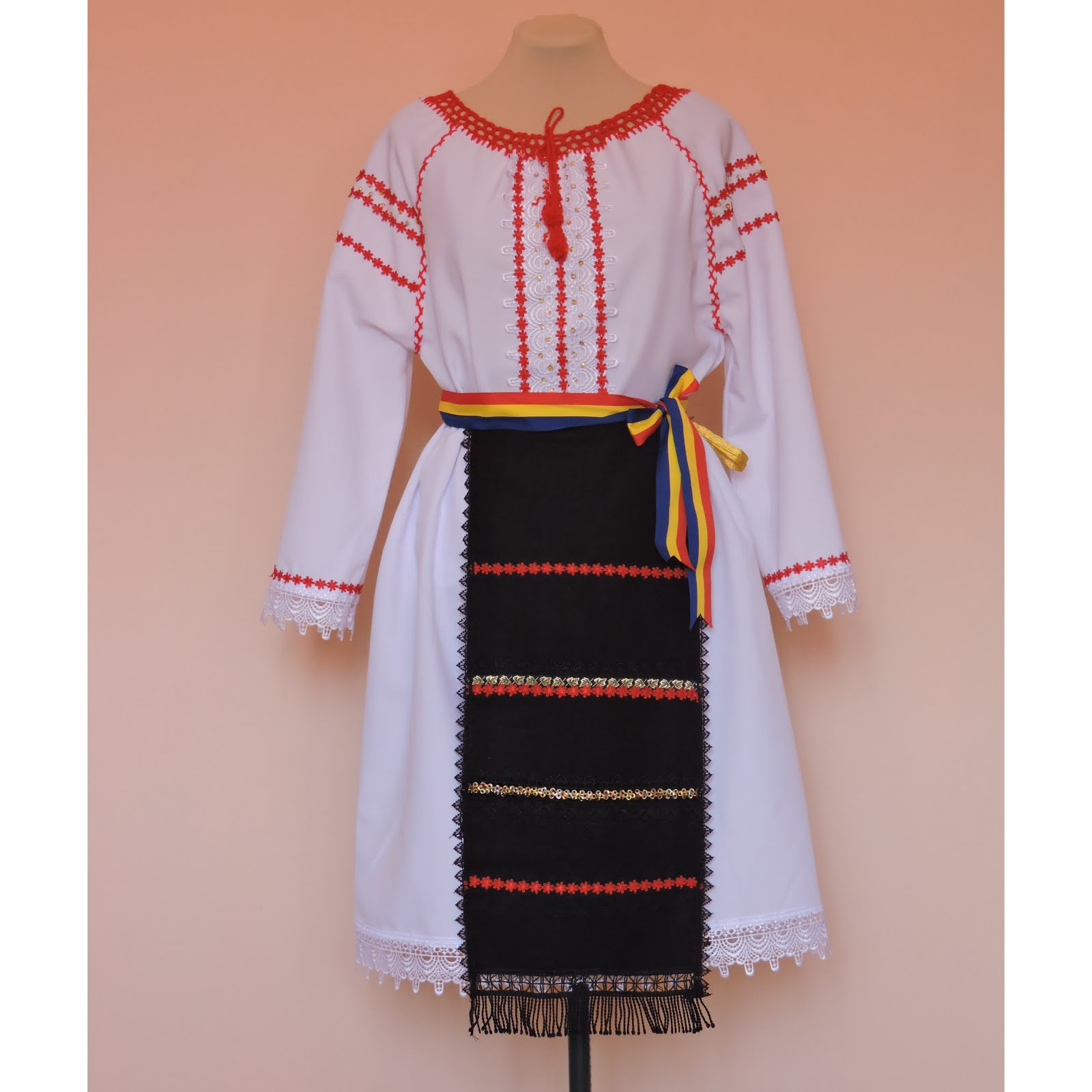 Costum national- fetite