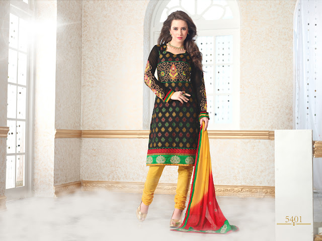 Fashionable Salwar Kameez With Lace work dupatta