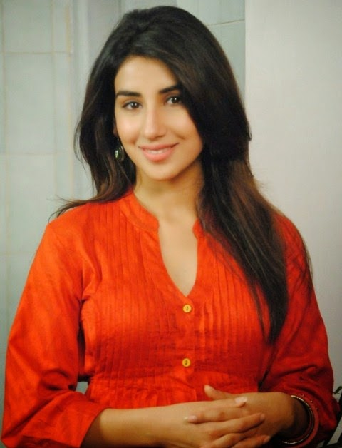 Parul Gulati Simple look images, Parul Gulati simple look wallpaper, Parul Gulati simple photos, Parul Gulati latest unseen