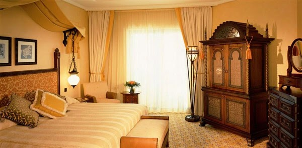 Interior decorating bedroom in arabic style for Eastern bedroom designs