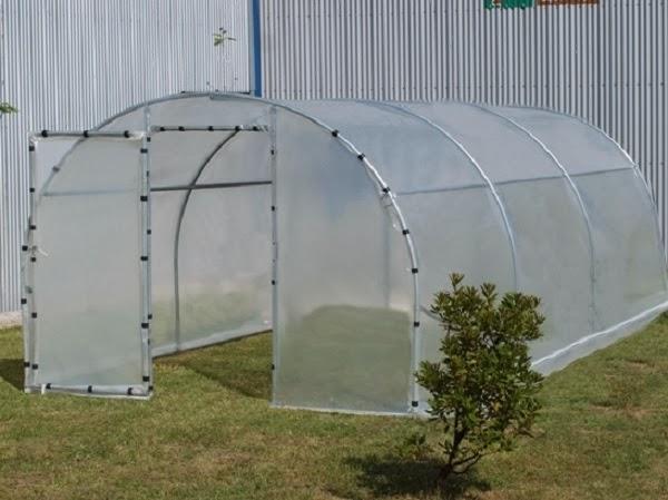 Como hacer un invernadero casero de pvc huertaencasa for Construccion de viveros e invernaderos