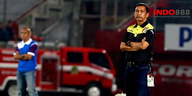Pelatih Mitra Kukar Masih Belum Mengetahui Siapa yang akan memperkuat tim nya - Indo888News