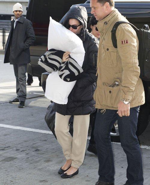 Katy Perry en el Aeropuerto JFK muy casualmente Perry-aeropuerto-002
