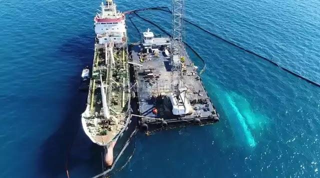 Πετρελαιοκηλίδα στο Σαρωνικό: 16 ημέρες μετά και ούτε ένα πρόστιμο για τη ρύπανση! και ο ένας καλύπτει τον άλλον με πρώτους τους αριστερούς του ΣΥΡΙΖΑ