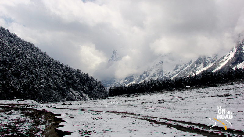 Snow covered valley seen on the Singalila Trek