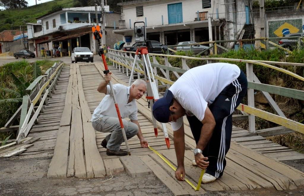 crédito Roberto Ferreira: Medição da ponte do Cruzeiro