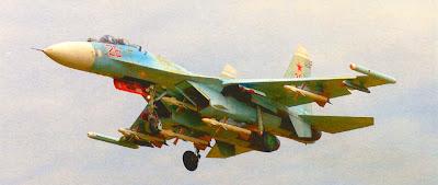 Су 27 строевой части ВВС PФ с УР Р-27 на внешней подвеске.