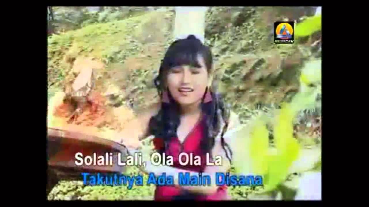 Download Lagu Dangdut Minyak Wangi - Ayu Ting Ting