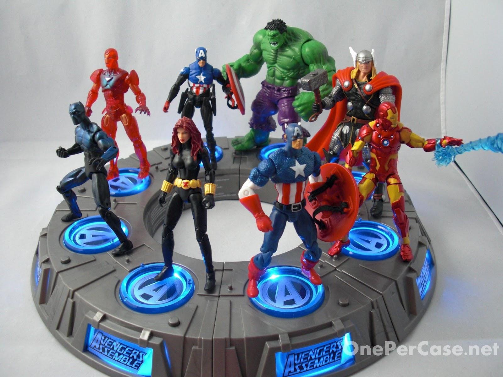 Marvel Toys R Us : One per case marvel universe avengers light up base wave