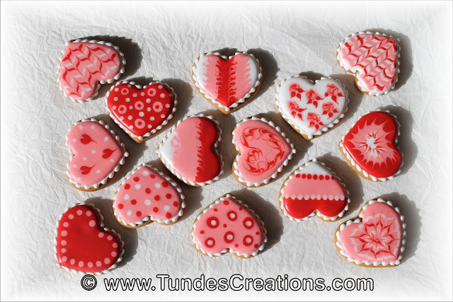 Valentine's gingerbread hearts with wet on wet technique by Tunde Dugantsi