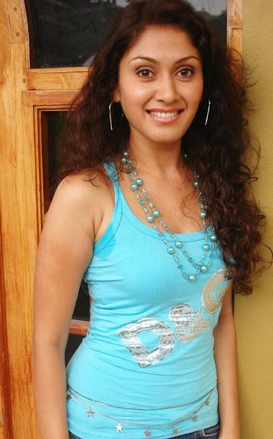 Manjari Phadnis Actress Hot Photos Navel Queens