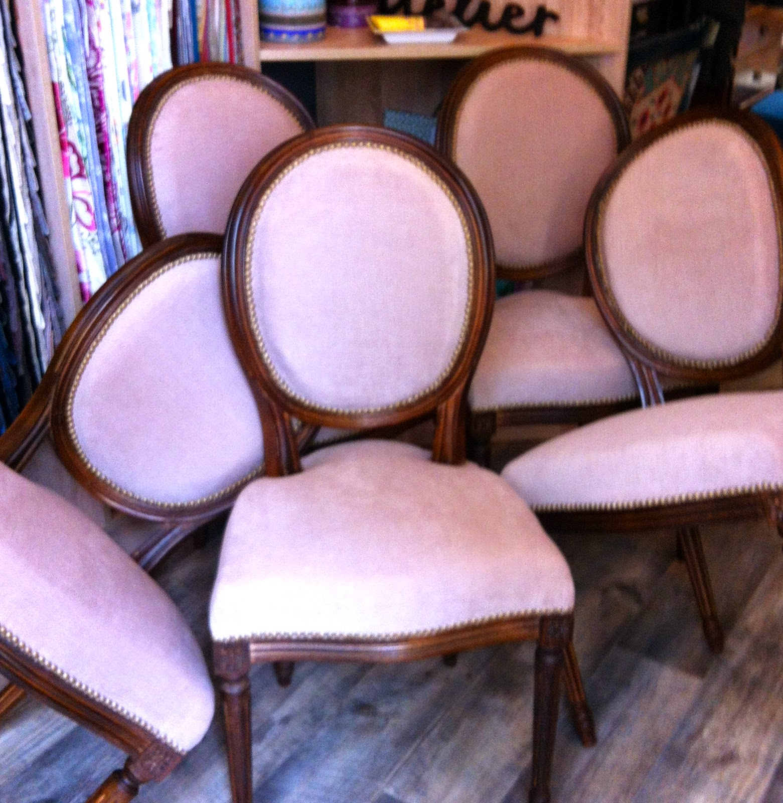 atelier anne lavit artisan tapissier d corateur 69007 lyon chaises style louis xvi. Black Bedroom Furniture Sets. Home Design Ideas