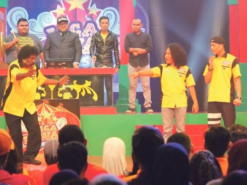 LIGA Lawak Superstar - Empat peserta berentap!
