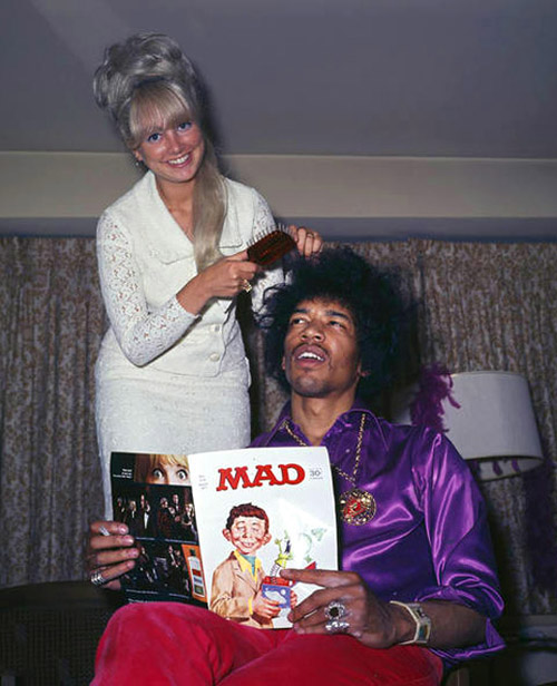 Jimi Hendrix lia MAD e tinha hair stylist