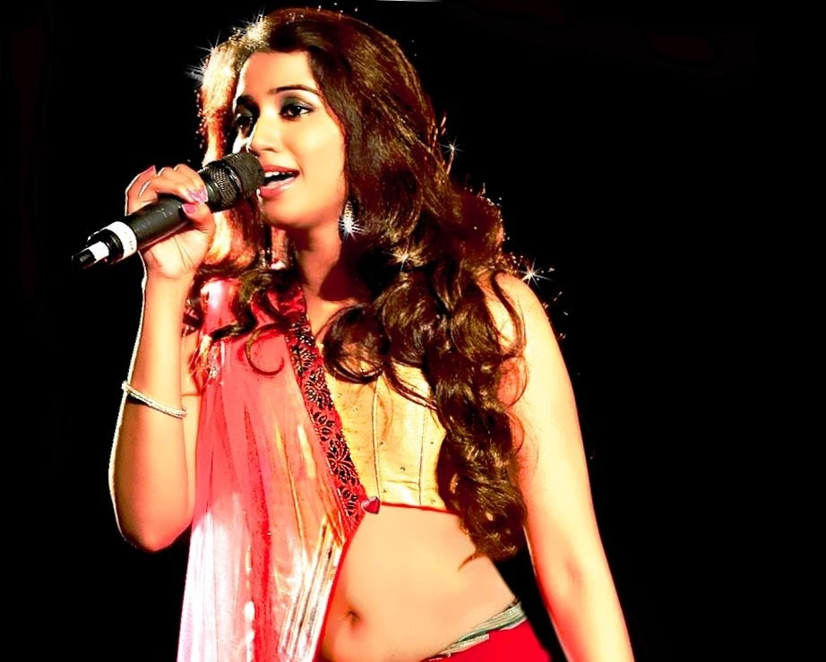 Shreya Ghoshal, she, traditional Bengali bride dressed, her husband is ...