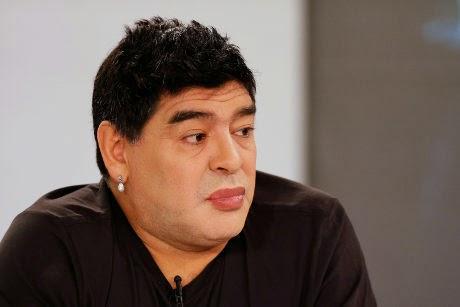 "Legenda Sepakbola ""Maradona"" Operasi Plastik"