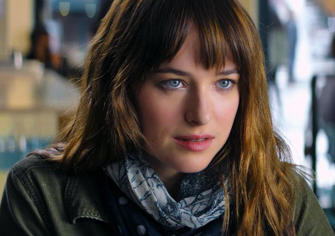 http://3.bp.blogspot.com/-RU7xGrlqZk0/U9JLCQmgYLI/AAAAAAACocs/XSsFvsIHh9k/s1600/Fifty_Shades_of_Grey-Dakota_Johnson-002.jpg