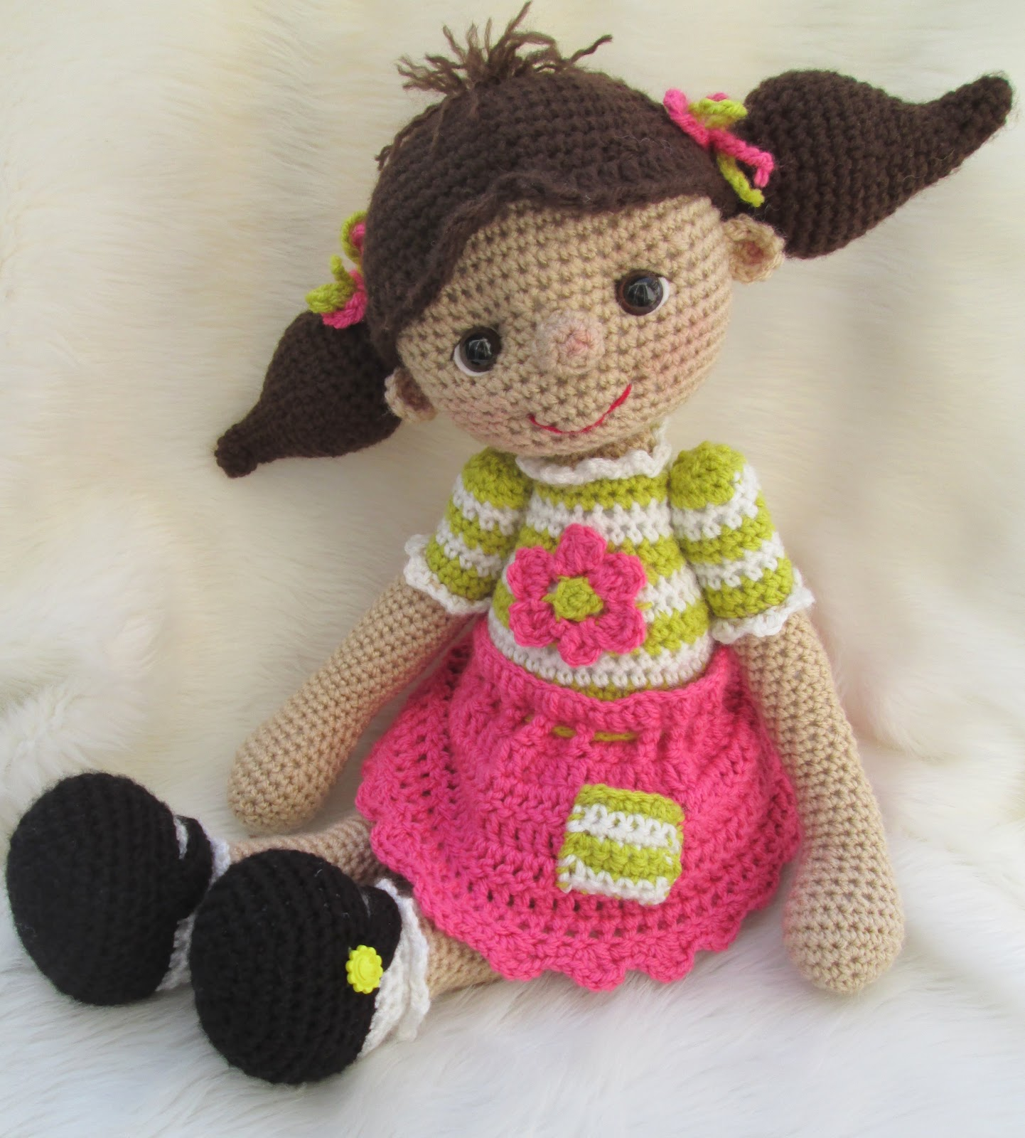 Crochet Doll Pattern Cute : Teris Blog: So Cute Dolly, A New Huggable Dolly Pattern