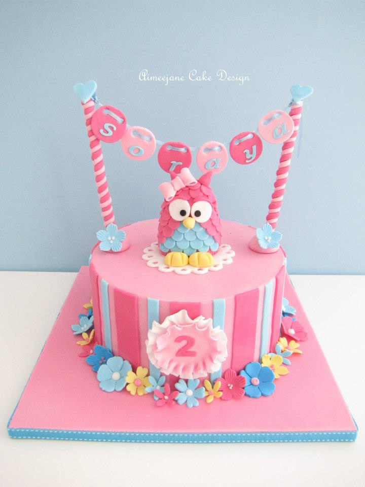 This is one of my favorite owl cakes ever! It is just so bright and ...
