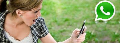 """Así lo señala un estudio reciente de CyberPsychology and behaviour Journal, resumido por CNN, que sostiene que ya se contabilizan 28 millones de rupturas por culpa de plataformas como WhatsApp o Facebook. Este informe analiza el impacto negativo que tienen este tipo de servicios en las relaciones sentimentales. Los autores del estudio explican que aplicaciones como WhatsApp son """"muy favorables"""" en una primera fase de las relaciones, pero con el tiempo comienzan los celos y el control. La tecnología muchas veces juega a favor de las parejas en cuanto a la comunicación, pero que en caso de desconfianza, puede implicar"""