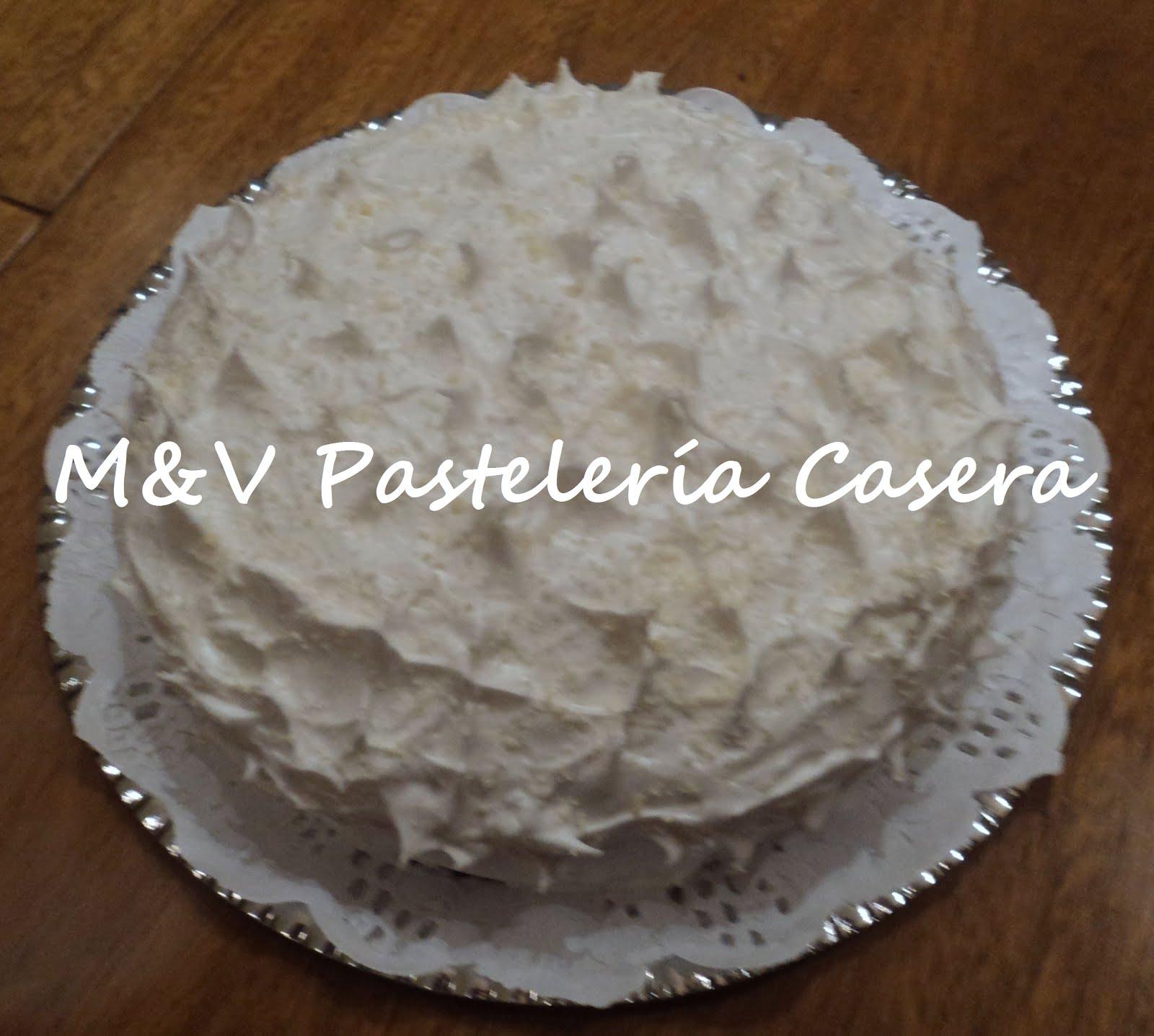 Baño Chocolate Blanco Para Tortas:Torta Nevada: Base húmeda de chocolate, dulce de leche, mousse de