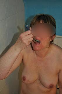 twerking girl - rs-8-796881.JPG